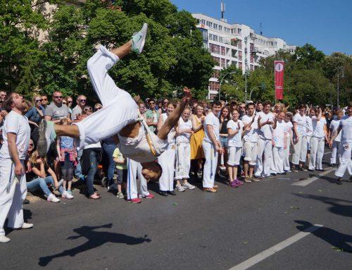 Capoeira Akademie Berlin: Karneval der Kulturen Salto