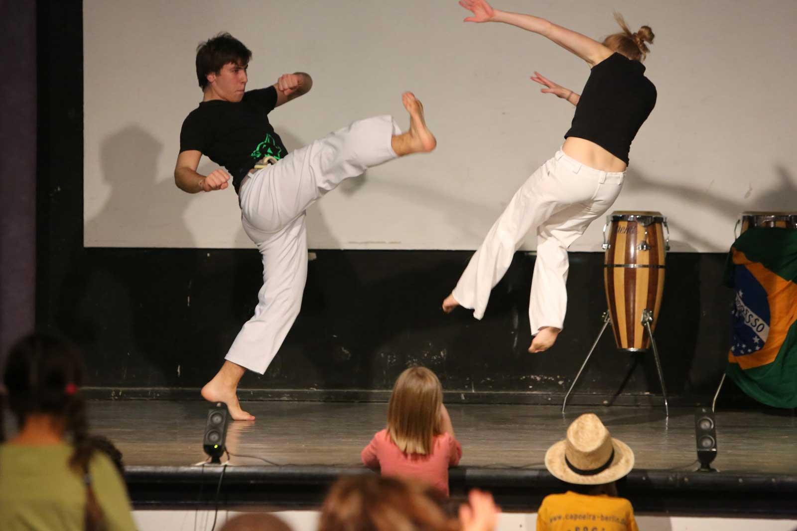 Capoeira Akademie Berlin: zweier Jugendliche Auftritt