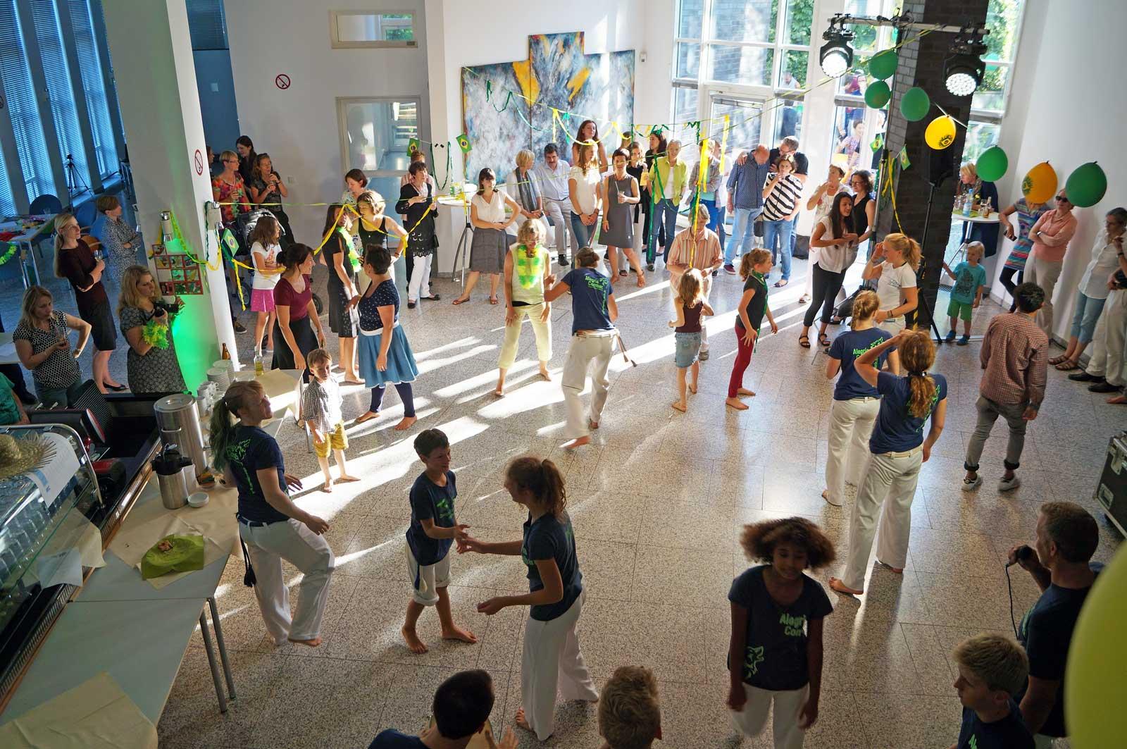 Capoeira Akademie Berlin: Auftritt Zuschauer machen mit