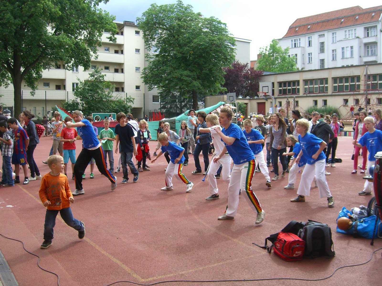 Capoeira Akademie Berlin: Auftritt Loecknitz Grundschule