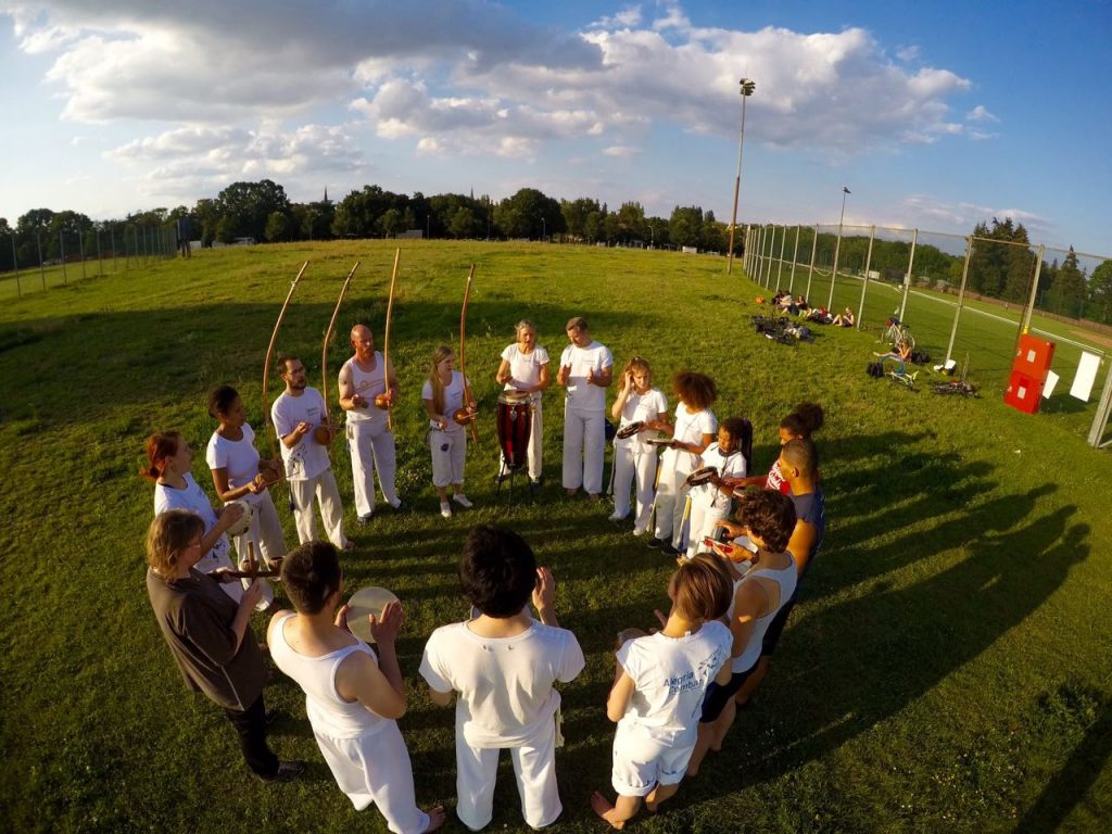 Capoeira Akademie Berlin: Musik Sportplatz